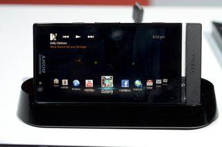 Sony-xperia-smart-dock_mwc_2012